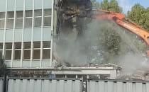 Wyburzanie Hydrobudowy we Wrzeszczu [*]...
