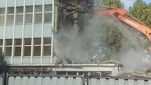 Wyburzanie budynku Hydrobudowy we Wrzeszczu