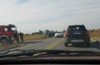 Wywrócona ciężarówka w Koszwałach
