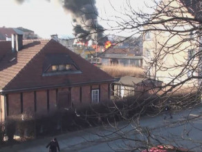 Pożar we Wrzeszczu - płonie opuszczony magazyn