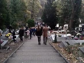 Cmentarz w Sopocie w dniu Wszystkich Świętych