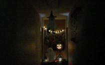 Pewien korytarz... w pewnym zwykłym...