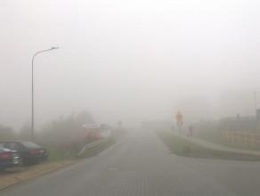Mgła ogranicza widoczność na Kowalach