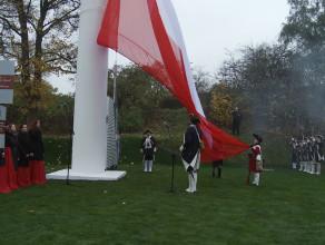 Flaga Polski na maszcie na Górze Gradowej