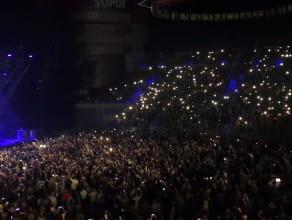 Światełka w górze podczas Fragile - Sting & Shaggy