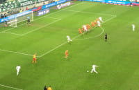 Michał Nalepa strzela gola na 3:2