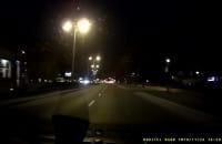 Głupia zabawa - rzucanie w samochody