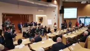 Moment ogłoszenia wyboru Mieczysława Struka na marszałka województwa pomorskiego
