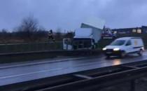 Wypadek ciężarówki przy obwodnicy w...