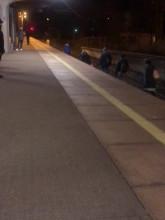 Ludzie chodzą po torach, bo SKM i tak nie jeździ
