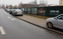 Mandaty za parkowanie na zakazie na Wałowej