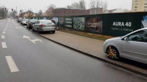 """""""Mikołajkowe prezenty"""" od straży miejskiej na zakazie przy Wałowej"""