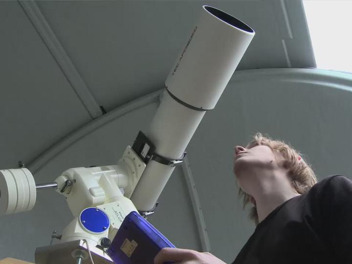 Własne obserwatorium astronomiczne posiada Gdańska Szkoła Autonomiczna.