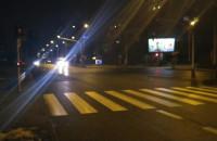 Karetka na sygnale jedzie z centrum Gdyni na Karwiny