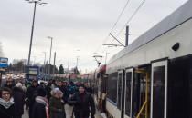 Zepsuty tramwaj hamuje ruch na Pohulance