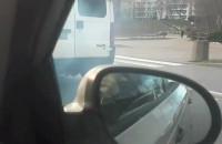 Dymiące auto
