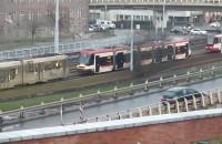 Zepsuty tramwaj na skrzyżowaniu z Amii Krajowej