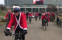 Mikołaje na rowerach ruszyli spod Ergo Areny