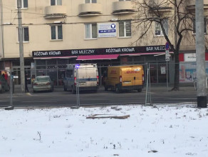 Policja spisuje parkujących na miejscach dla dostawców w centrum Gdyni
