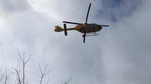 Start śmigłowca ratunkowego z boiska w Chyloni