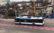 Awaria trolejbusu, blokuje Świętojańską