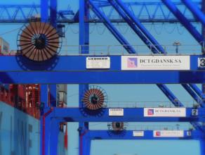 Pierwszy z kontenerowców-gigantów jest już w Gdańsku