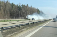 Dymiący diesel na obwodnicy za Matarnią (patrząc w kierunku Gdyni)