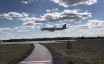 Lądowanie samolotu A220 CS300 z Zurichu