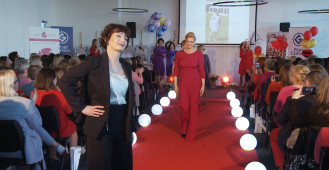 Pacjentki onkologiczne w roli modelek. VI Gala Ladies in Red w Gdyni