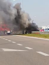Pali się samochód na węźle Kokoszki na obwodnicy w stronę Pruszcza