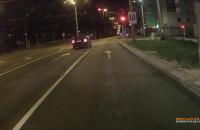 Samochód przejechał na czerwonym świetle