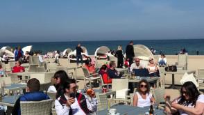 Świąteczne tłumy nad morzem w Sopocie