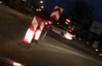 Kierowcy jadą zamkiętym pasem Jabłoniowej