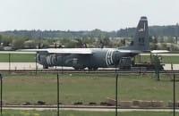Hercules C-130 podczas załadunku