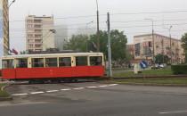Zabytkowy tramwaj przyłapany w trakcie...