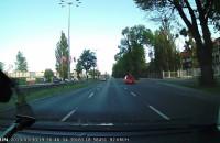 Policja jedzie lewym pasem