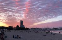 Piękne niebo nad plażą w Gdyni