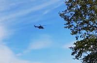 Nad Przeróbka latają dwa śmigłowce