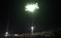 Fajerwerki na plazy w Brzeznie. Fląder...