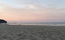 Ciepły przyjemny wieczór na plaży w Orłowie