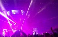 Konfetti na koniec koncertu Malumy