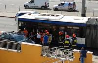 Strażacy wyciągnęli kobietę z auta po wypadku na ul. Władysława IV