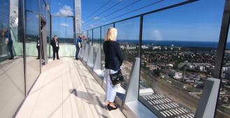 Widoki z 32 piętra biurowca Olivia Star