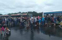 Piknik lotniczy w Gdyni: tłumy chcą wejść do autobusów
