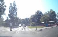 Omijanie pieszego znajdującego się na przejściu