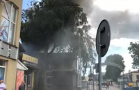 Pożar przy dawnej hali targowej na Chyloni