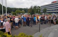 Protest pod Lotosem