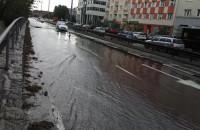 Ulica Śląska w Gdyni płynie