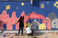 Dziecięcy mural w Nowym Porcie