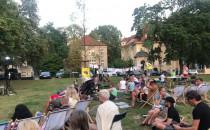 Improwizowany koncert i taniec w Parku...